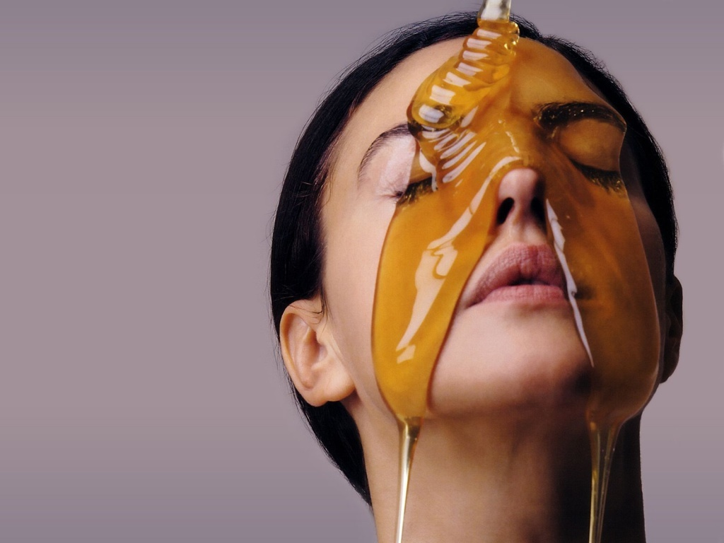 benefits-of-ra-honey-for-skin-care